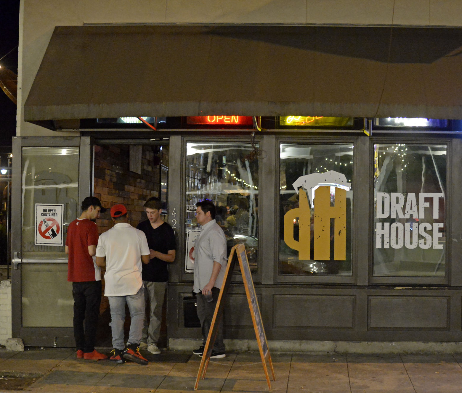 Draft House Closing At End Of October, Prompting Changes To John Delgadou0027s  Other Downtown Bars