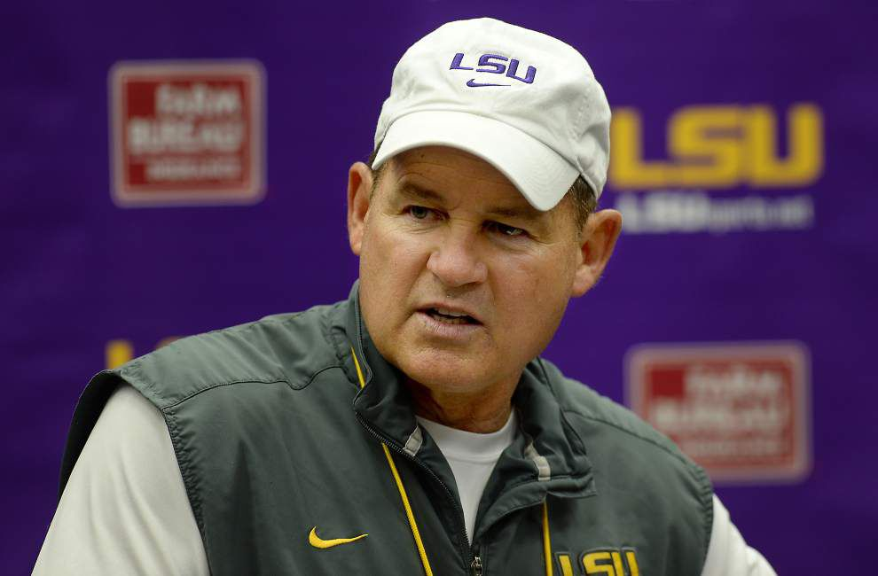 Scott Rabalais: After health scare, Les Miles seems like his old playfull, willful, unconventional self _lowres