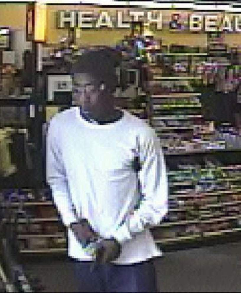 Three businesses robbed by armed gunmen Saturday, Sunday _lowres