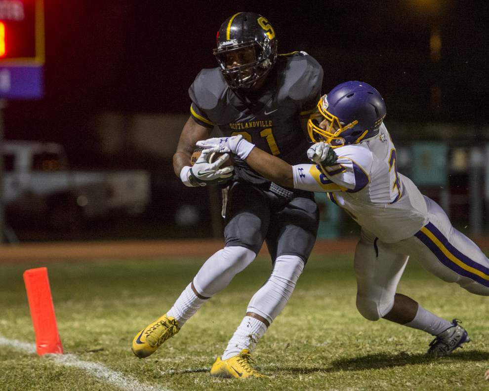 Trent Charles runs for 184 yards and three touchdowns as Scotlandville overpowers Sam Houston 40-14 in Class 5A playoffs _lowres