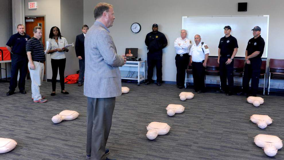 Students learn CPR as part of new state law _lowres