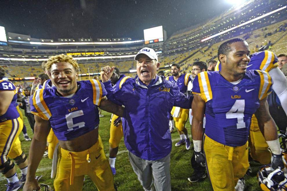Live chat recap: Who benefits from wet weather? Some over/under predictions for LSU vs. Alabama _lowres