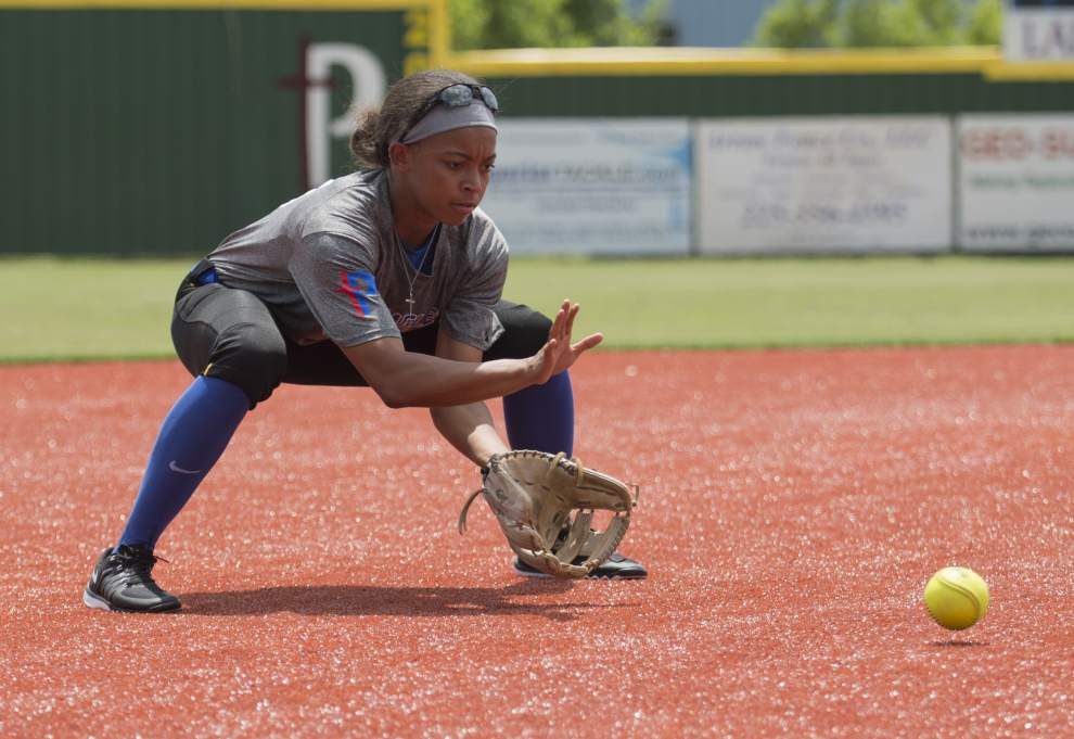 Parkview Baptist standout Nicky Dawson's softball journey started out in physical education class _lowres