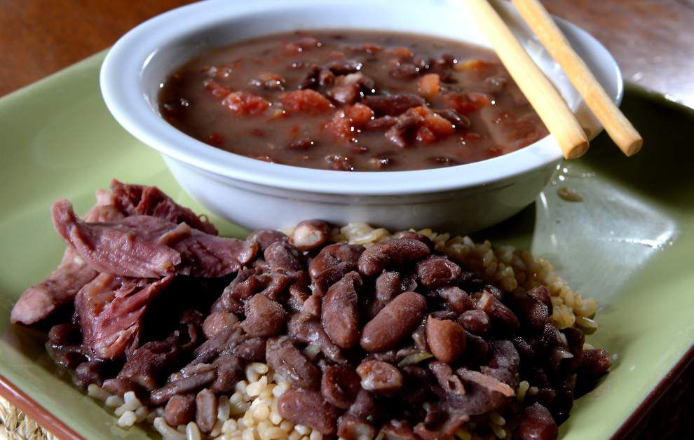 Gourmet Galley: A pot of beans can knock out two meals _lowres