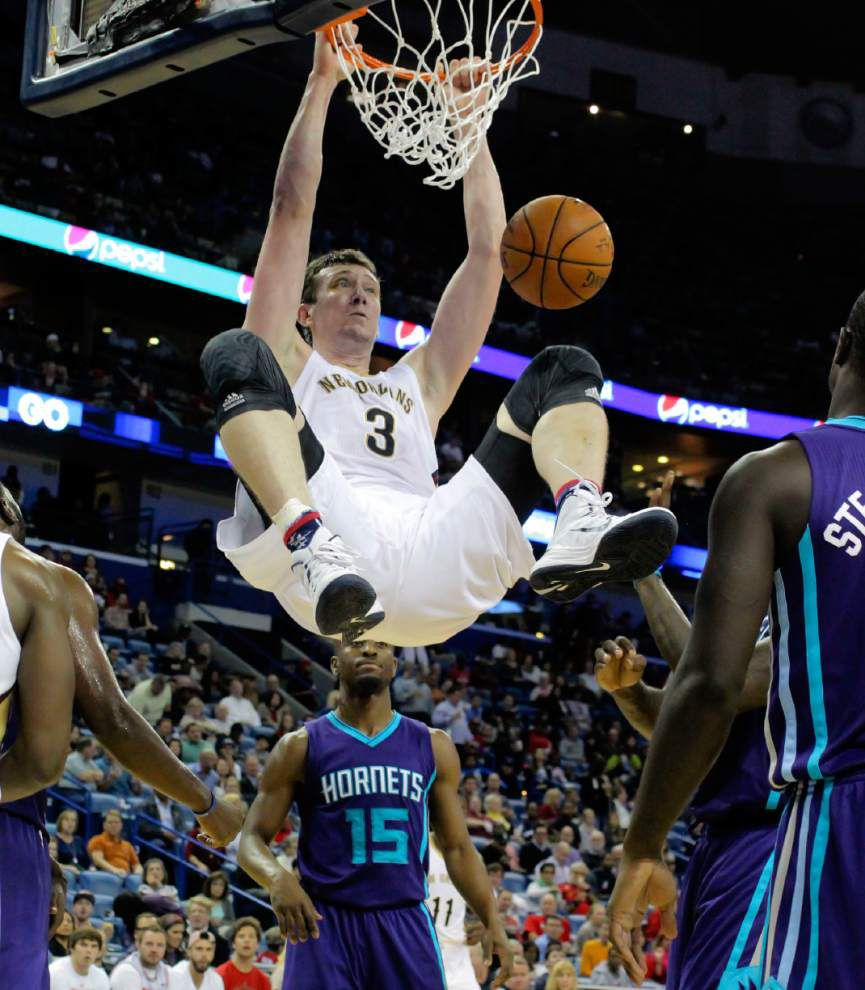 Pelicans vs. Timberwolves: a stage for centers Omer Asik, Nikola Pekovic _lowres
