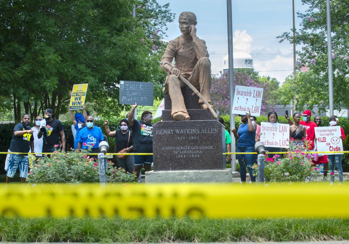BR.statueprotest.062920 TS 415.jpg