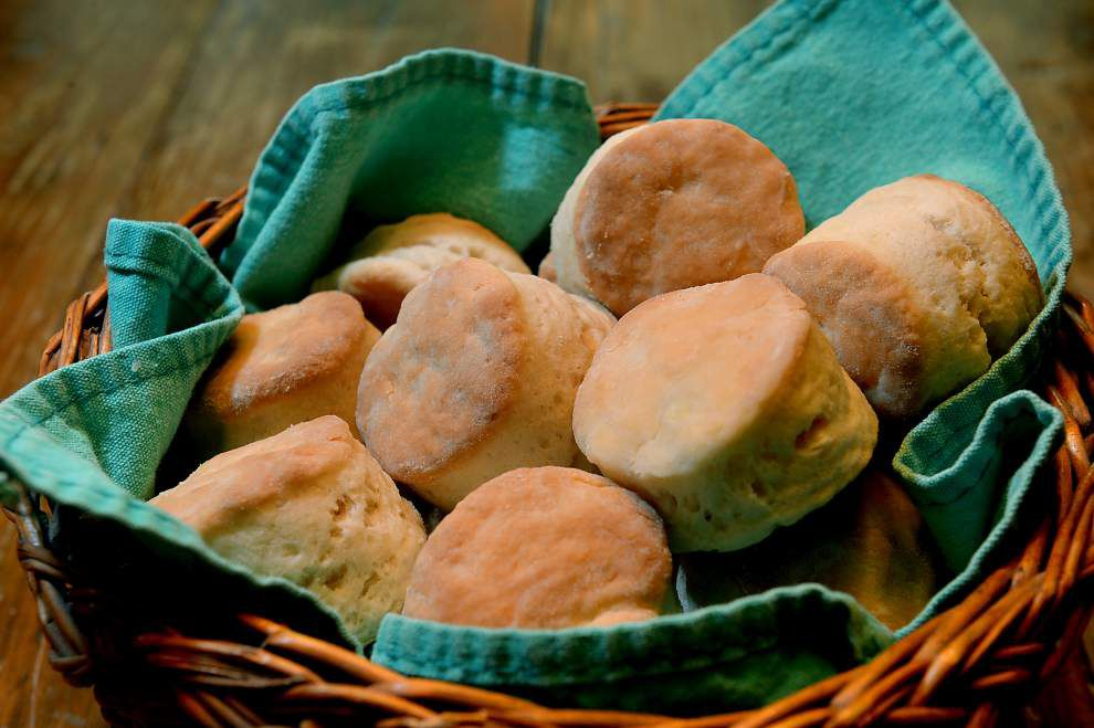 Flaky Sour Cream Biscuits _lowres
