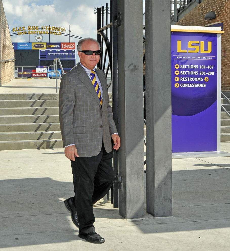 Photos: Tiger leave for Omaha _lowres