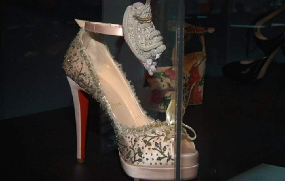 Killer Heels: Exhibit shows high heel evolution _lowres