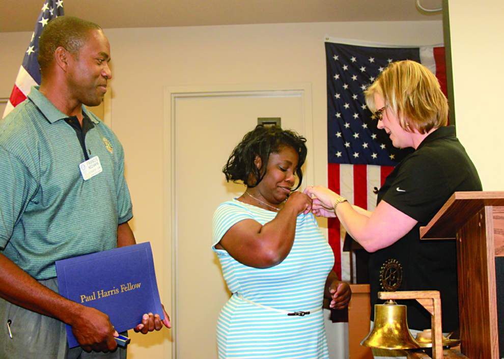 Zachary Rotarian honors wife _lowres
