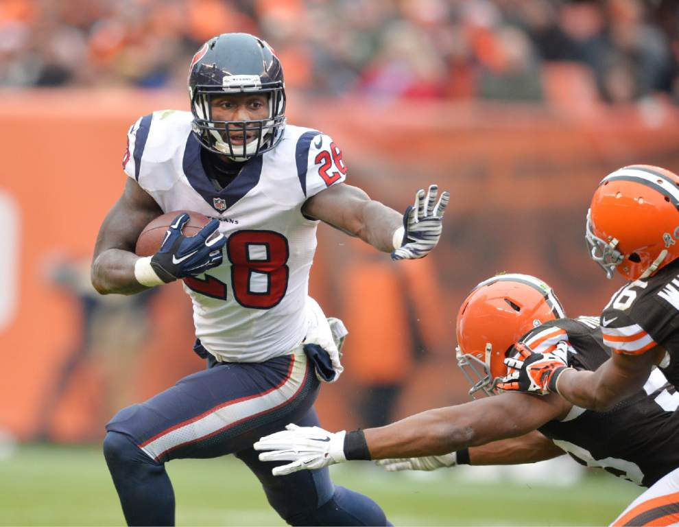 Alfred Blue carries RB load for Texans with Foster out _lowres