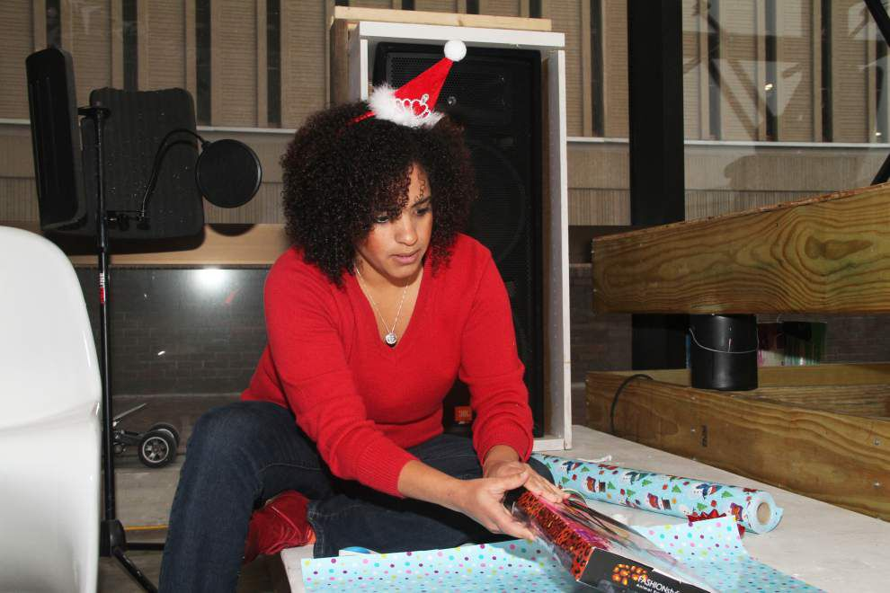 Baton Rouge groups donate Christmas gifts to kids struggling with HIV/AIDS _lowres