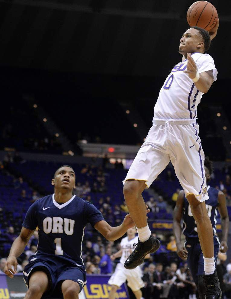 Well-rested and ready, Ben Simmons scores 24 points to send LSU Tigers past Oral Roberts 100-77 _lowres