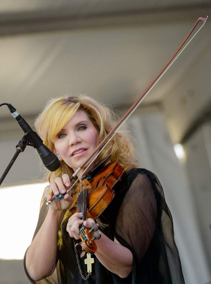 Jazz Fest offers alternative side of country music _lowres