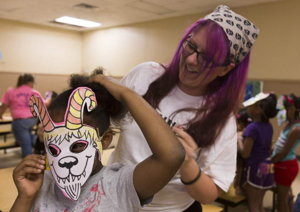 Lafayette volunteers rally for United Way 'Day of Action' _lowres