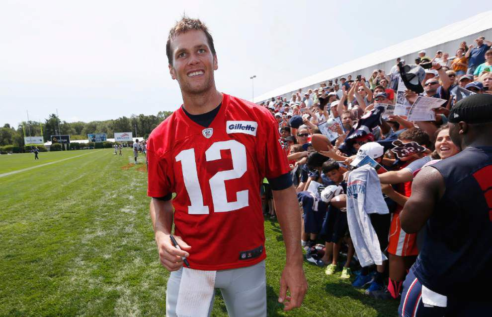 Tom Brady 'Deflategate' testimony released; Jadeveon Clowney's father charged with attempted murder _lowres