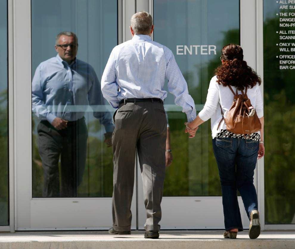 Jury deadlocks on death penalty in Colorado theater shooting _lowres