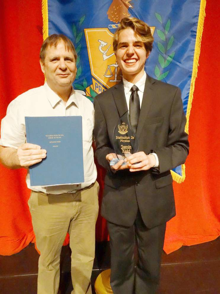 Zachary teen graduates from LSMSA with distinction _lowres