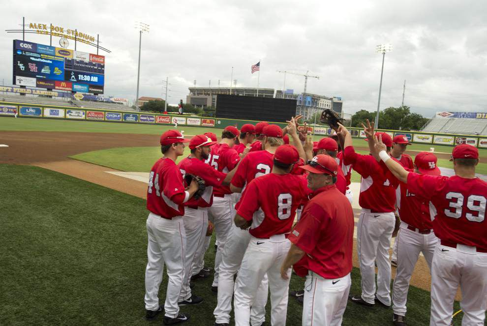 Houston, Bryant face off in Baton Rouge regional _lowres