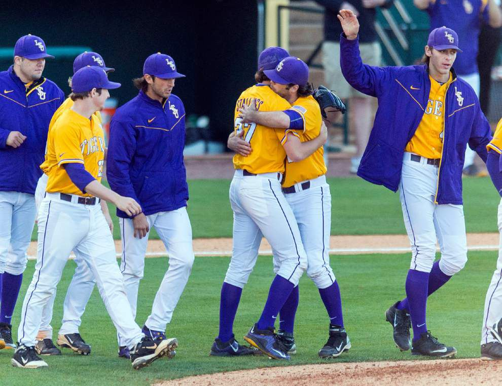 LSU Poll Speak Monday: The Tigers ranked No. 1 in Perfect Game poll, move up in other national polls _lowres