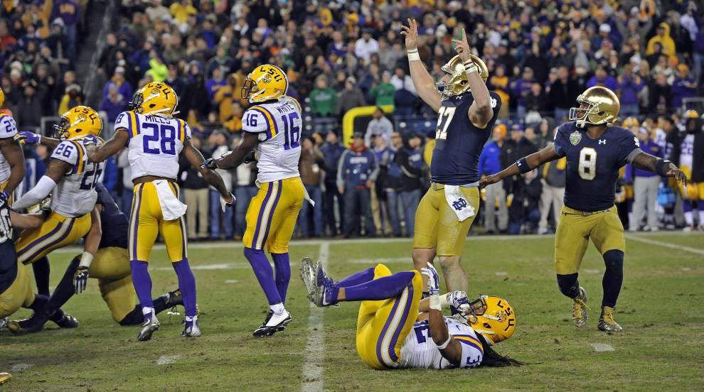 Notre Dame defeats LSU 31-28 to win the Music City Bowl _lowres
