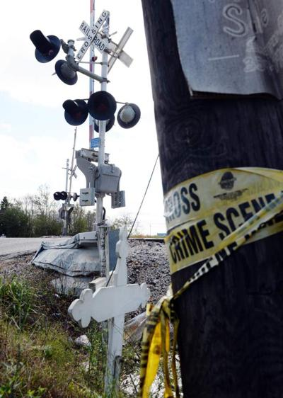 Witness: Driver honked frantically, tried to get off railroad tracks before Iberia Parish train crash killed 5 _lowres