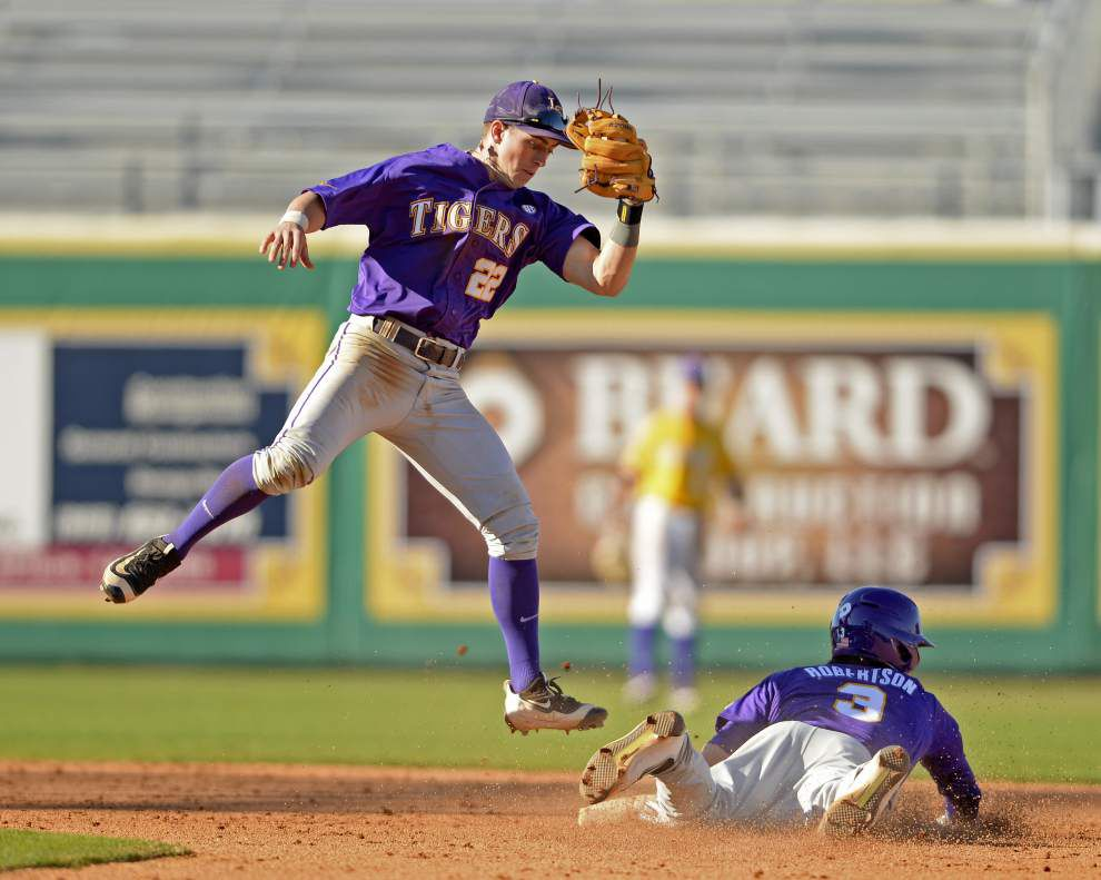 Thin on left-side depth and experience, the LSU baseball infield found chemistry in the fall _lowres