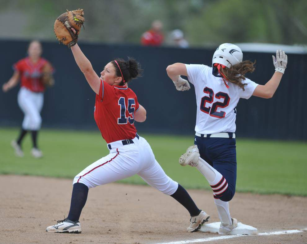 Teurlings softball team tries to keep offensive momentum going _lowres