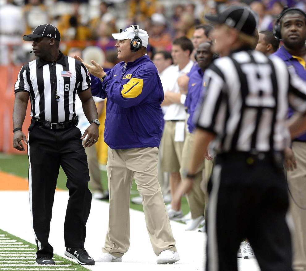 'A lotta flags': LSU rolls up 14 penalties for 120 yards in win over Syracuse, irking Les Miles and players _lowres