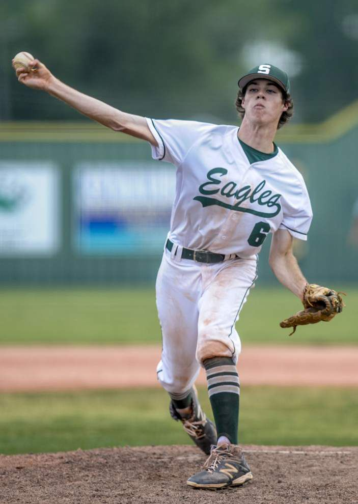 Shaw survives Holy Cross' late comeback to win Class 5A playoff opener _lowres