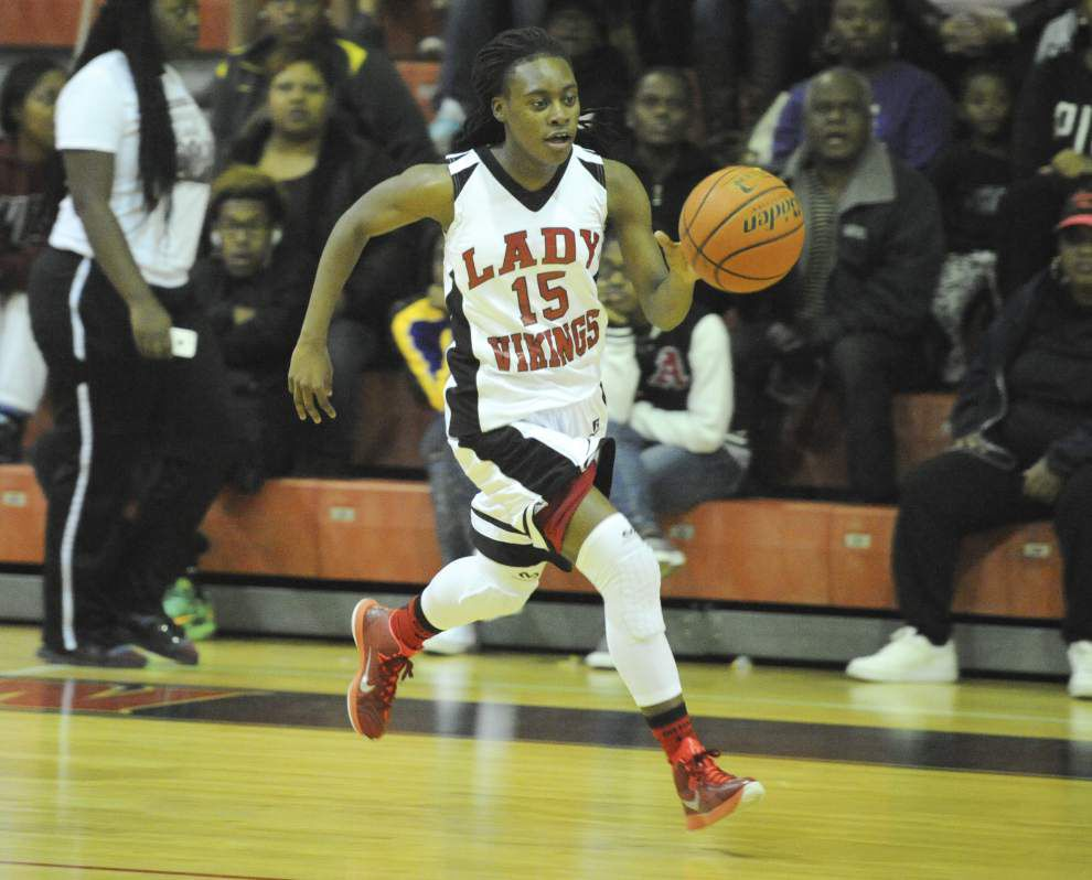 Northside girls basketball team rolls past Comeaux _lowres