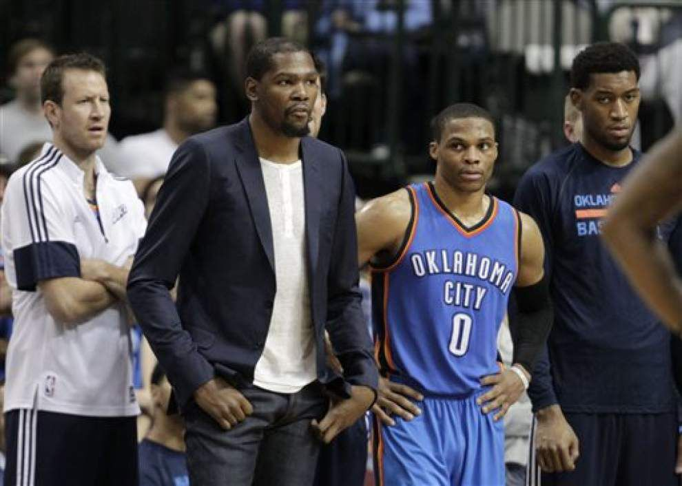 Pelicans race for the playoffs takes an unexpected turn - Oklahoma City Thunder forward Kevin Durant will remain out indefinitely with right foot pain _lowres