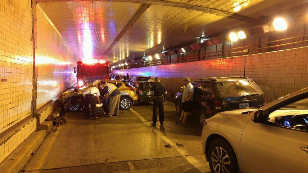 Accident with injuries closes Belle Chasse Tunnel early Monday; all lanes now open _lowres