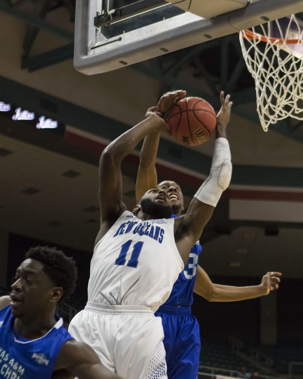 SLAND New Orleans Texas A M Corpus Christi Basketball