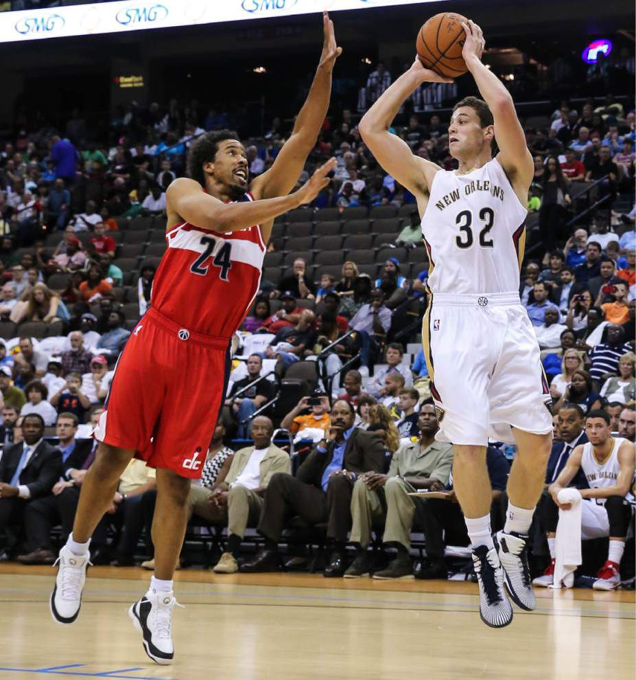 Pelicans clear hardship waiver, sign shooting guard Jimmer Fredette _lowres