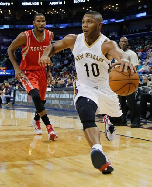 Pelicans offense soaring early in preseason _lowres