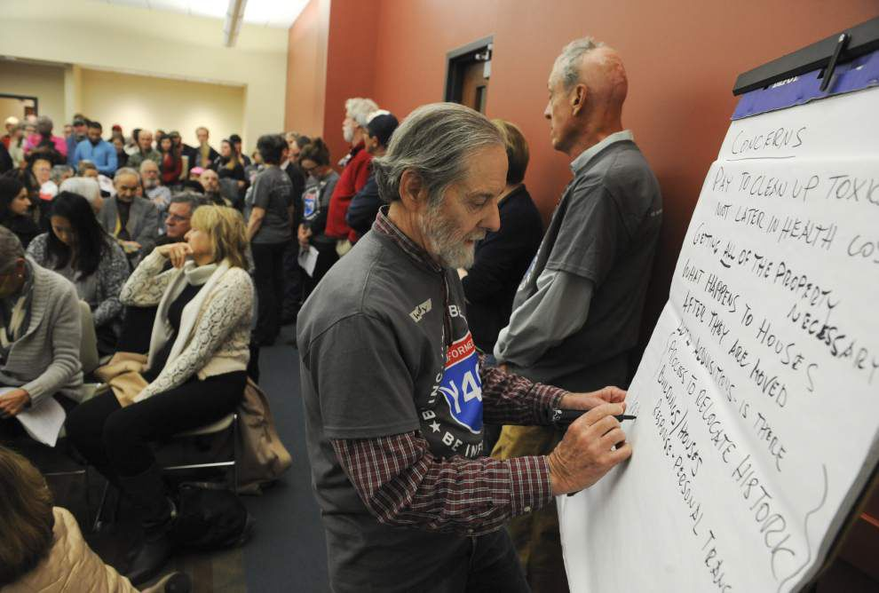 Lafayette resident lob harsh criticism at I-49 Connector project at community meeting _lowres