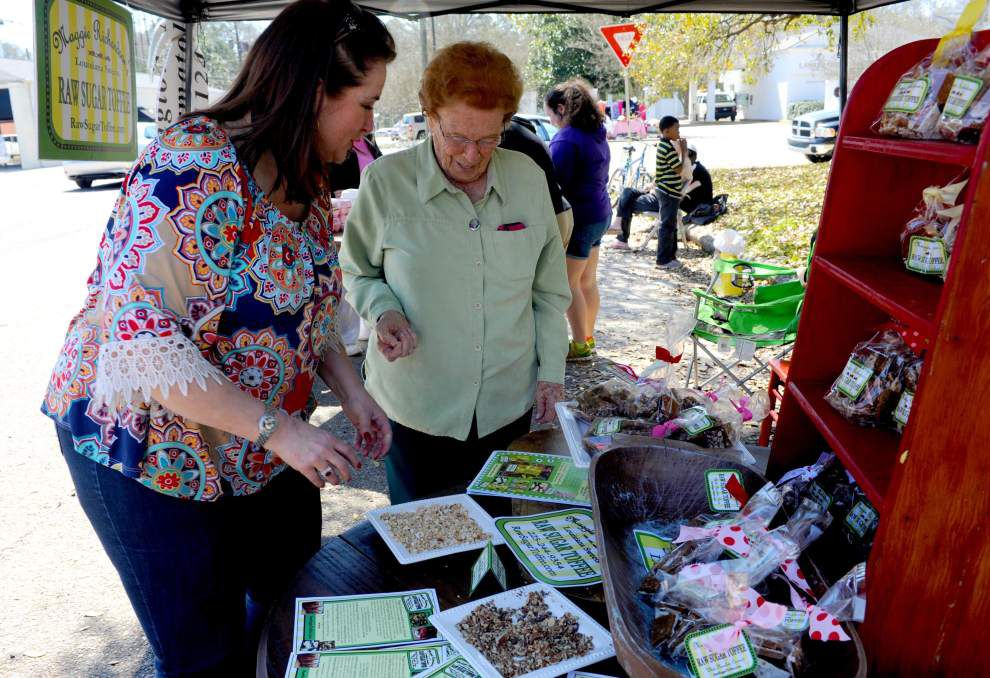 New vendors sell herbs, knives, toffee, more _lowres