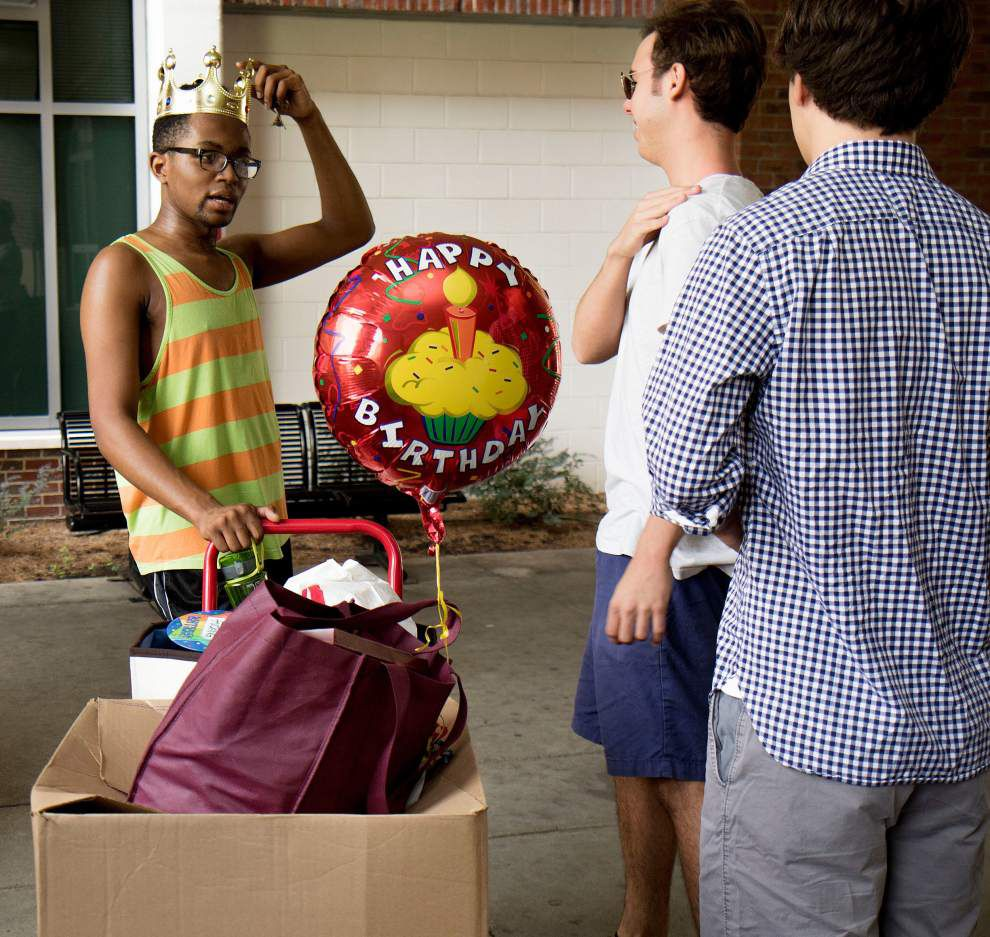 Move-in day at Loyola _lowres