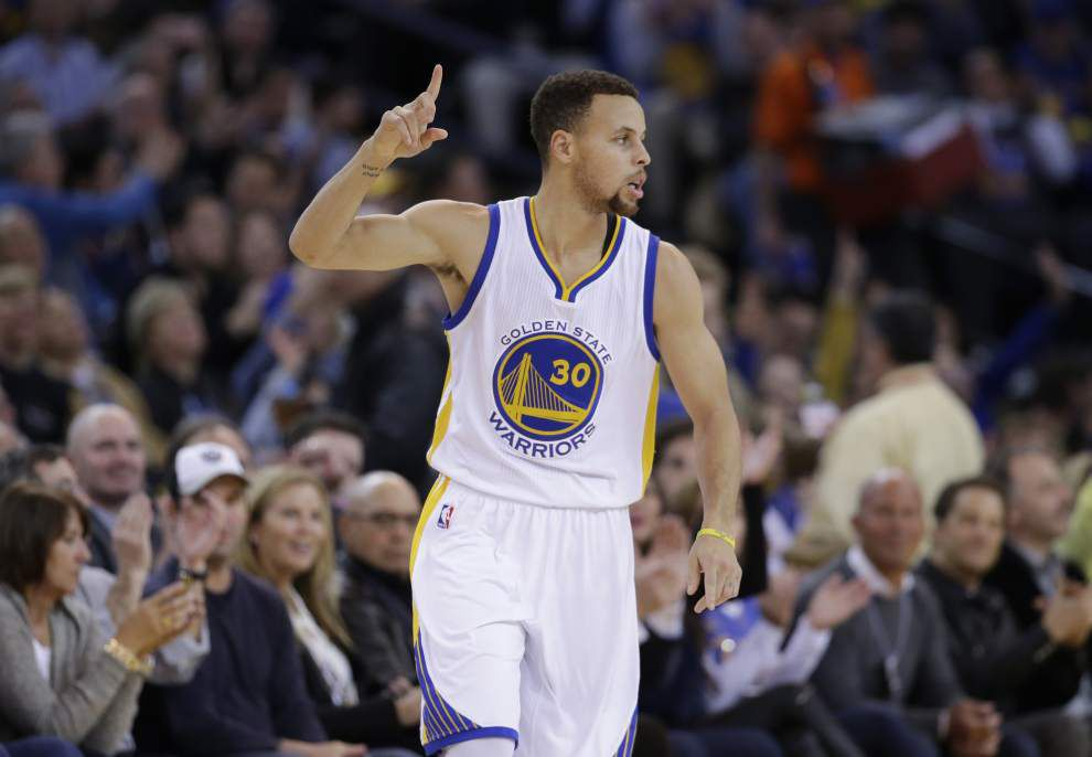 Rod Walker: As son Steph dominates the NBA, proud papa Dell Curry is 'living the dream,' too _lowres