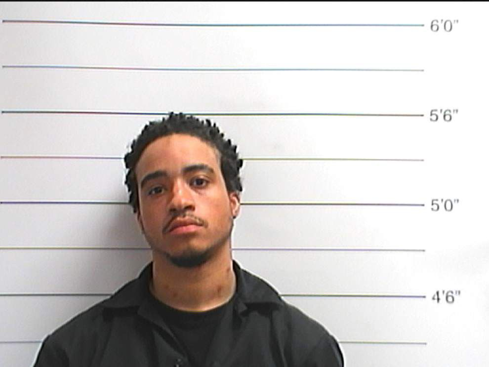 NOPD: Man points gun at officers in New Orleans East _lowres