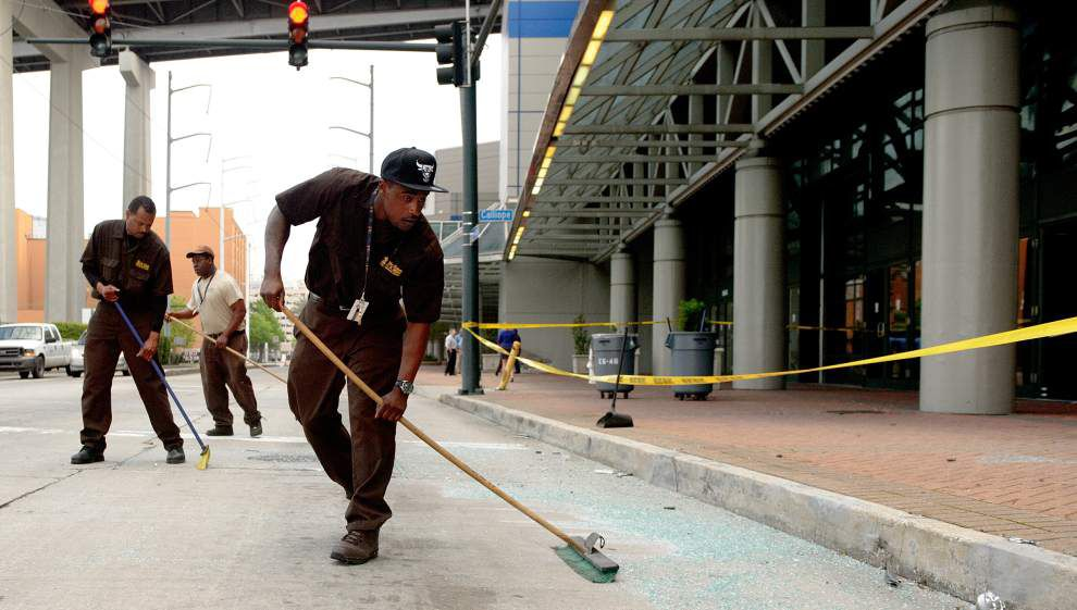 Surveillance video shows wild scene as woman suspected of DWI crashes into New Orleans convention center, drives out _lowres