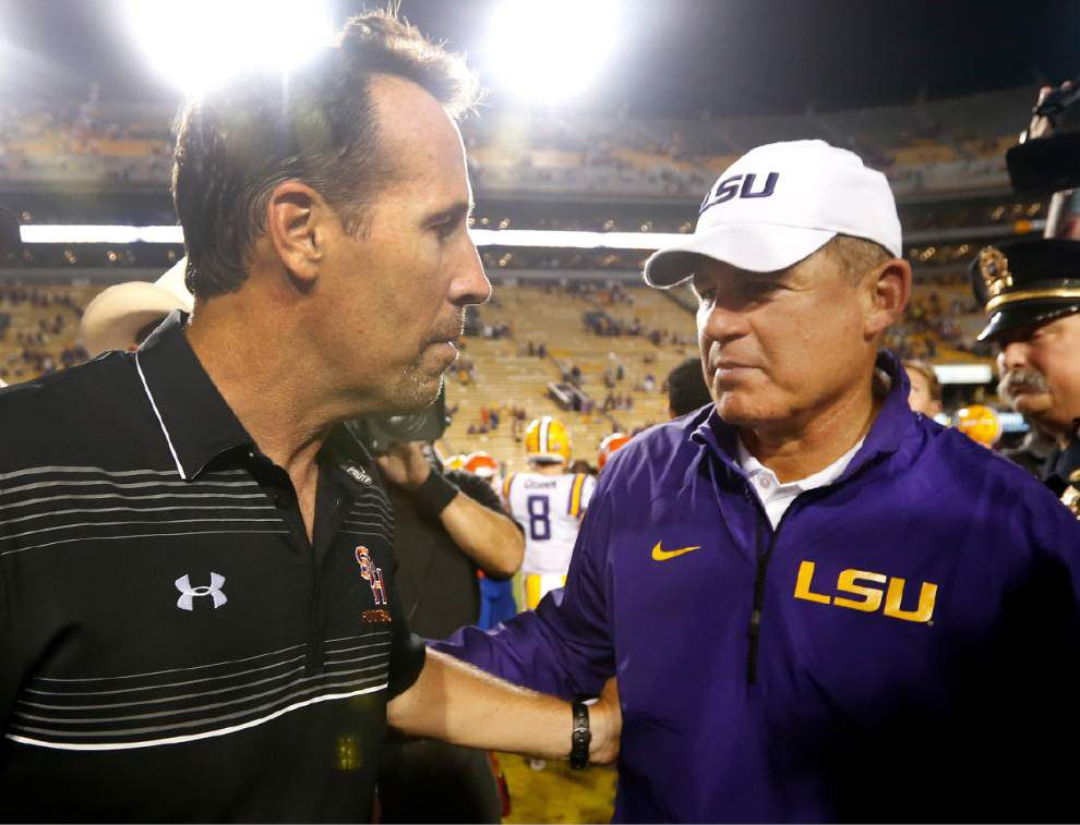 Complete audio from the entire Monday lunch press conference of LSU coach Les Miles _lowres