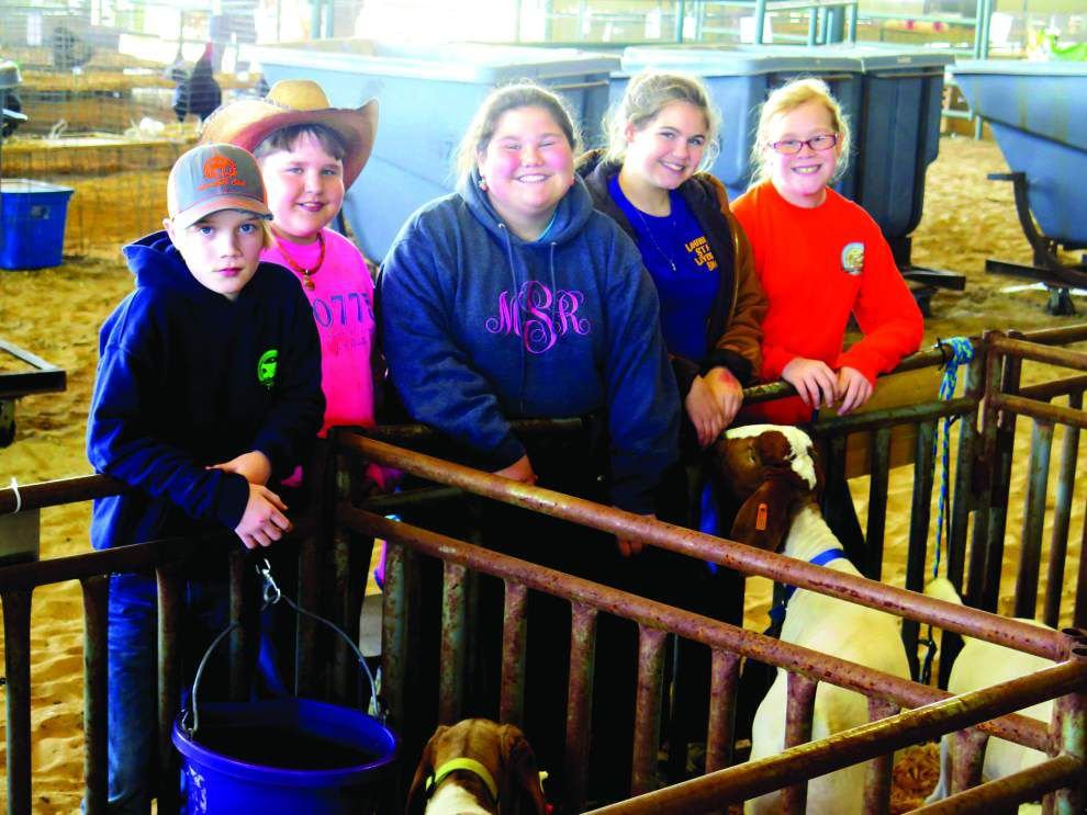 4-H'ers enjoy life with beast friends _lowres