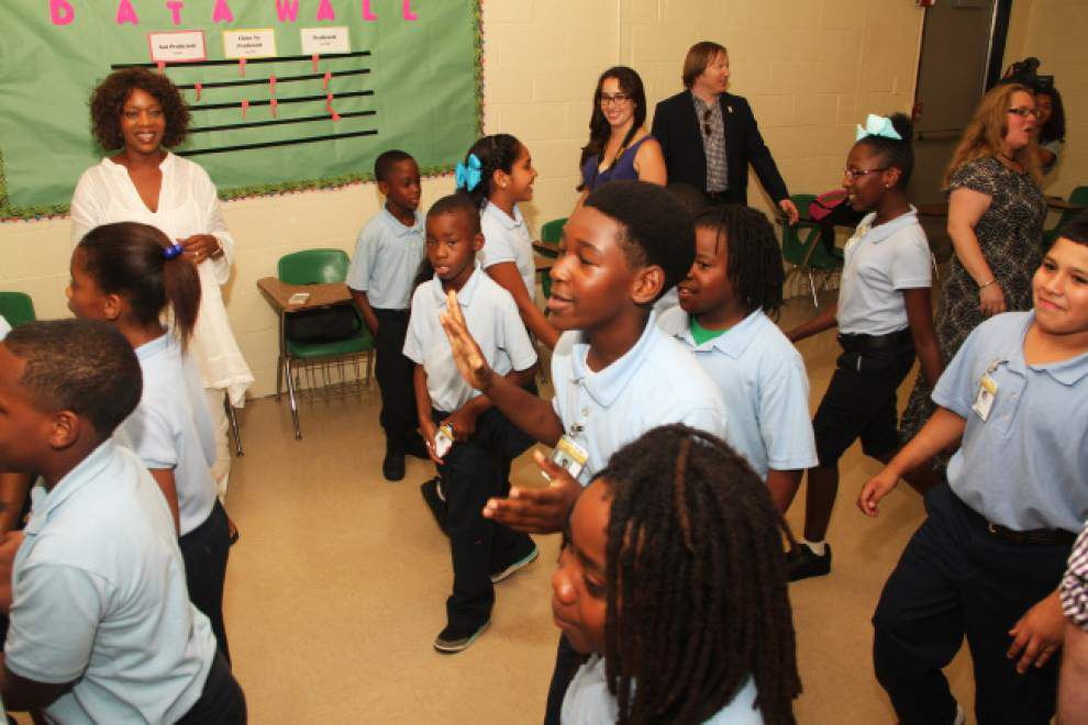 Actress Alfre Woodard spends time at St. Helena school _lowres