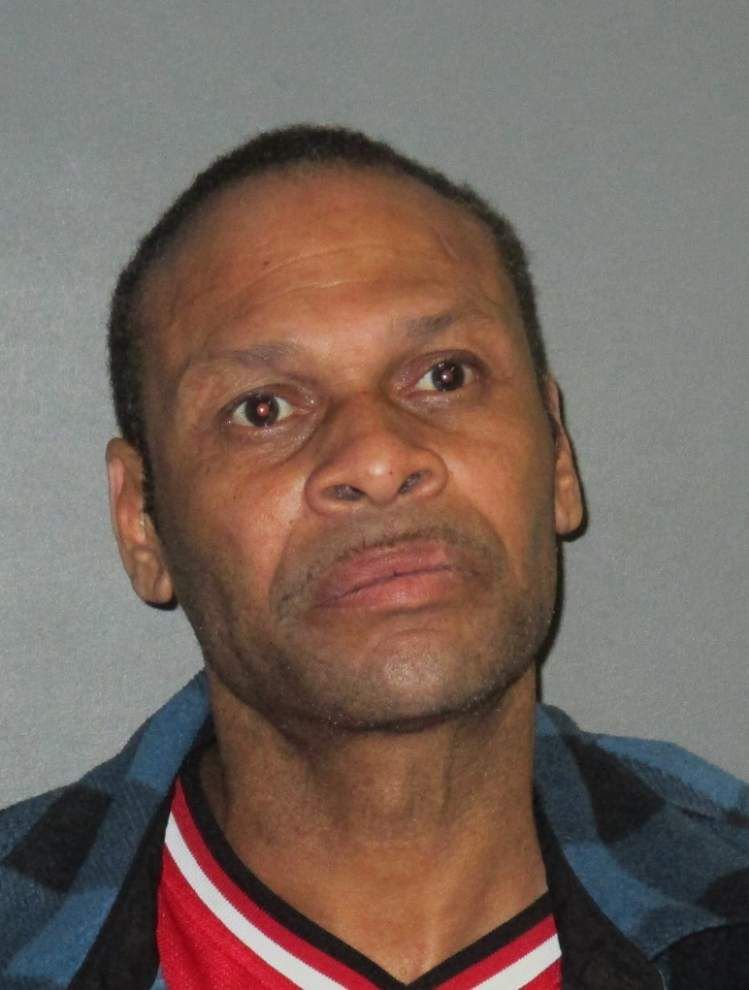Baton Rouge Police: Jealousy leads man to stab woman in the chin _lowres