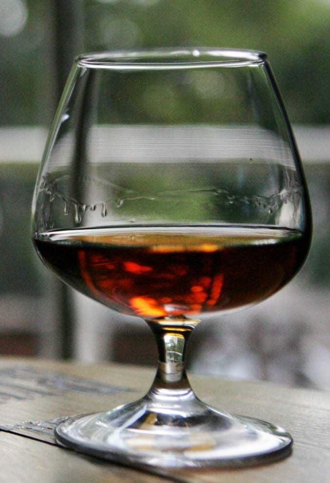 Bourbon renaissance catches on at local lounges, restaurants _lowres