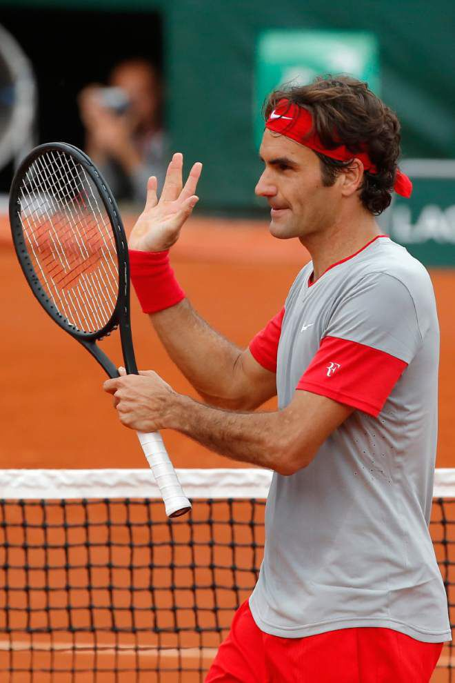 Federer in a flash at French Open _lowres