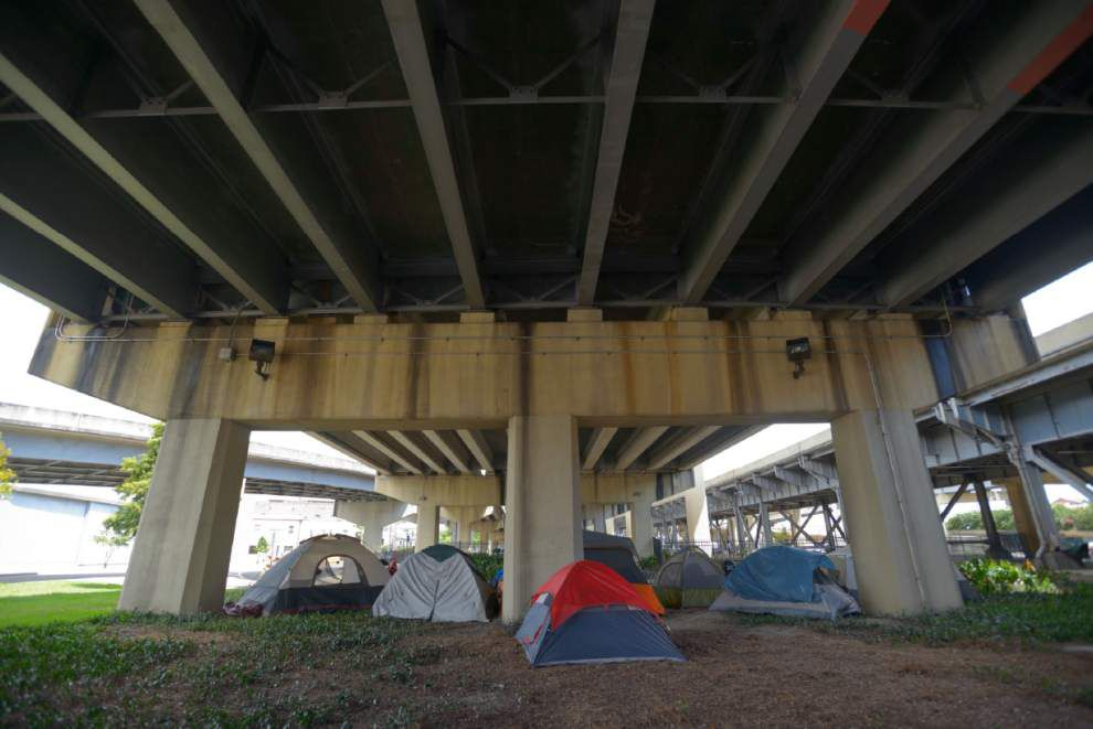 City of New Orleans clears homeless from camps near Pontchartrain Expressway _lowres