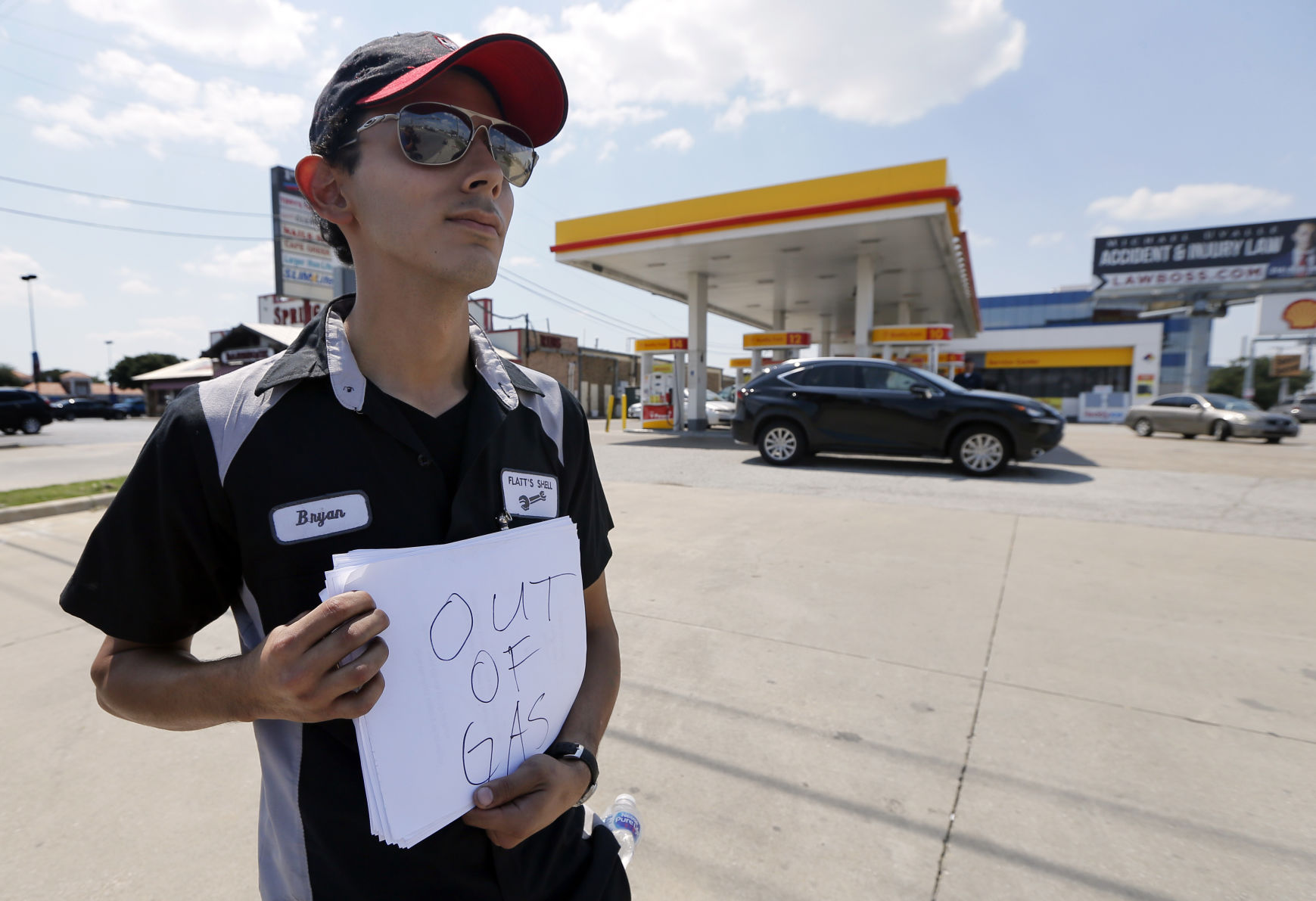 Gas prices spiking in Tennessee; analysts point to Hurricane Harvey